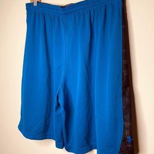 Under Armour basketball shorts size XL